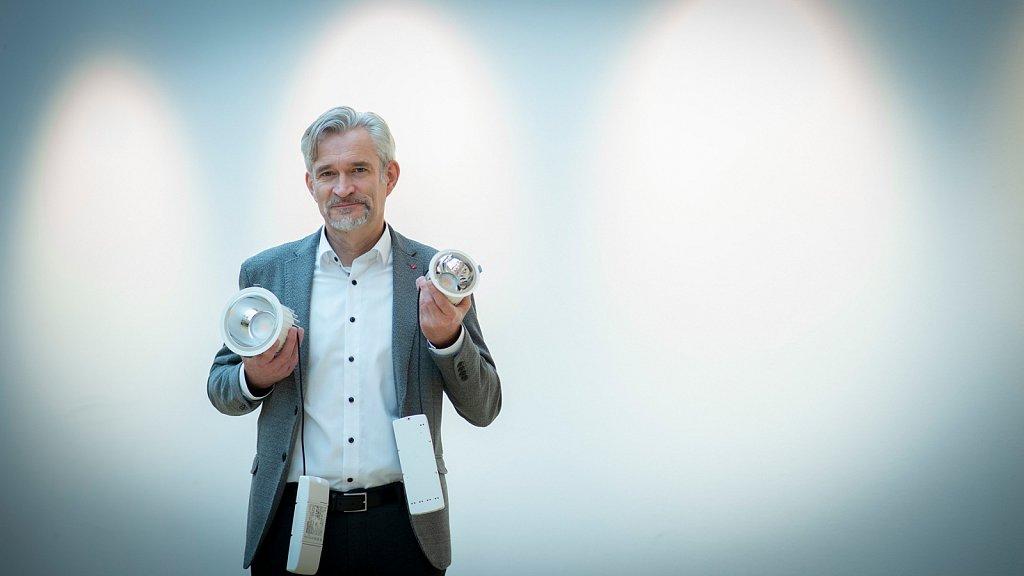 CO2-Einsparung durch energieeffiziente LED-Lichter - Burkhard Frisch-Atzenroth zeigt, wie es geht.